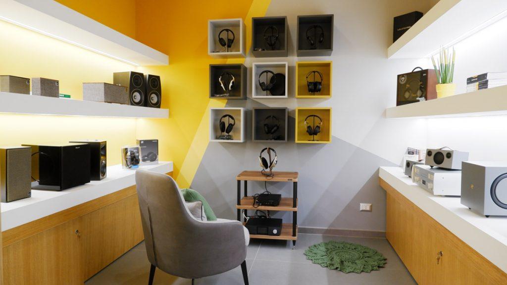 Sala Cuffie / Aristide